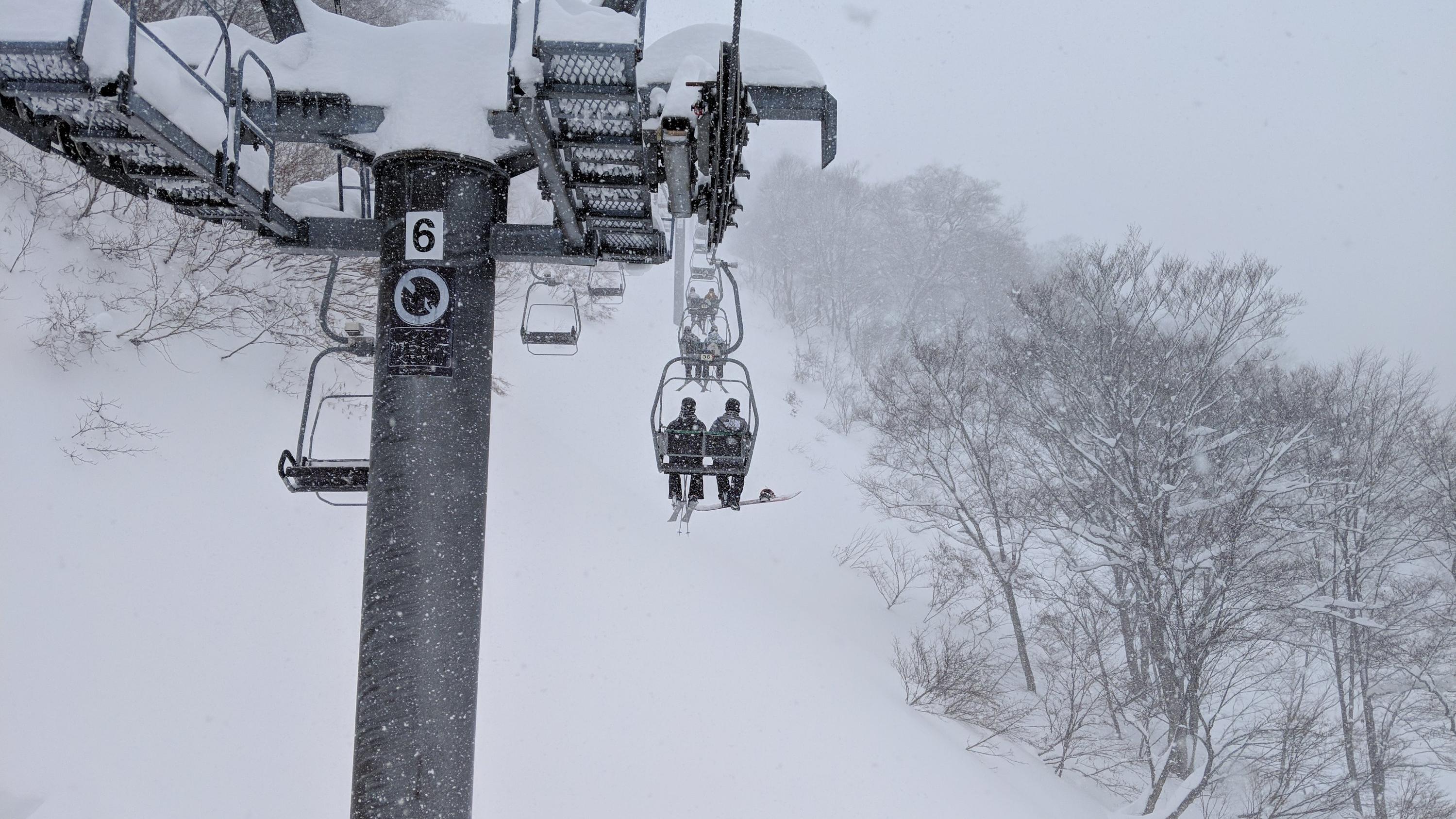 2019年1月2日ガーラ湯沢。すごい吹雪で寒かったー